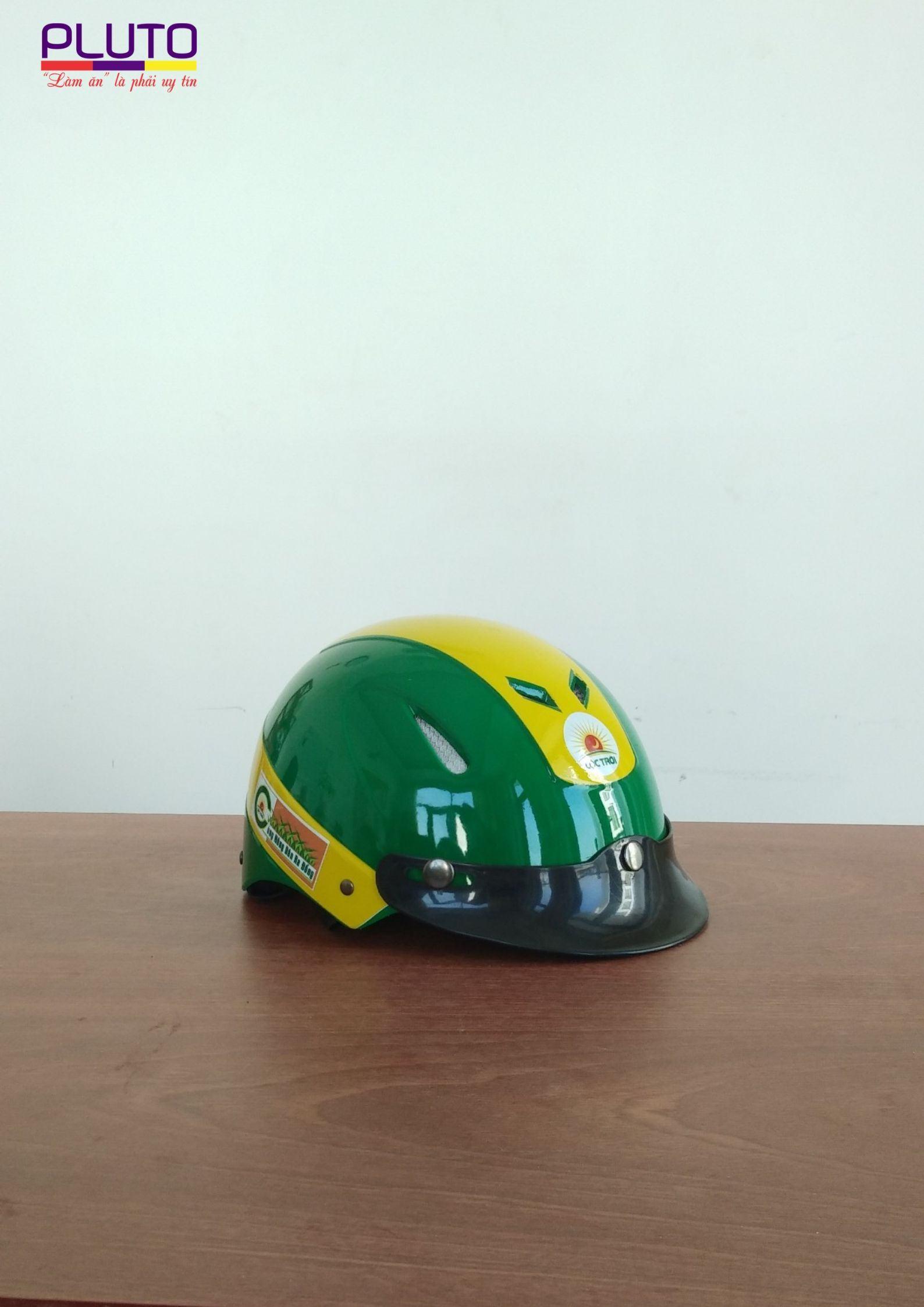 in logo nón bảo hiểm theo yêu cầu