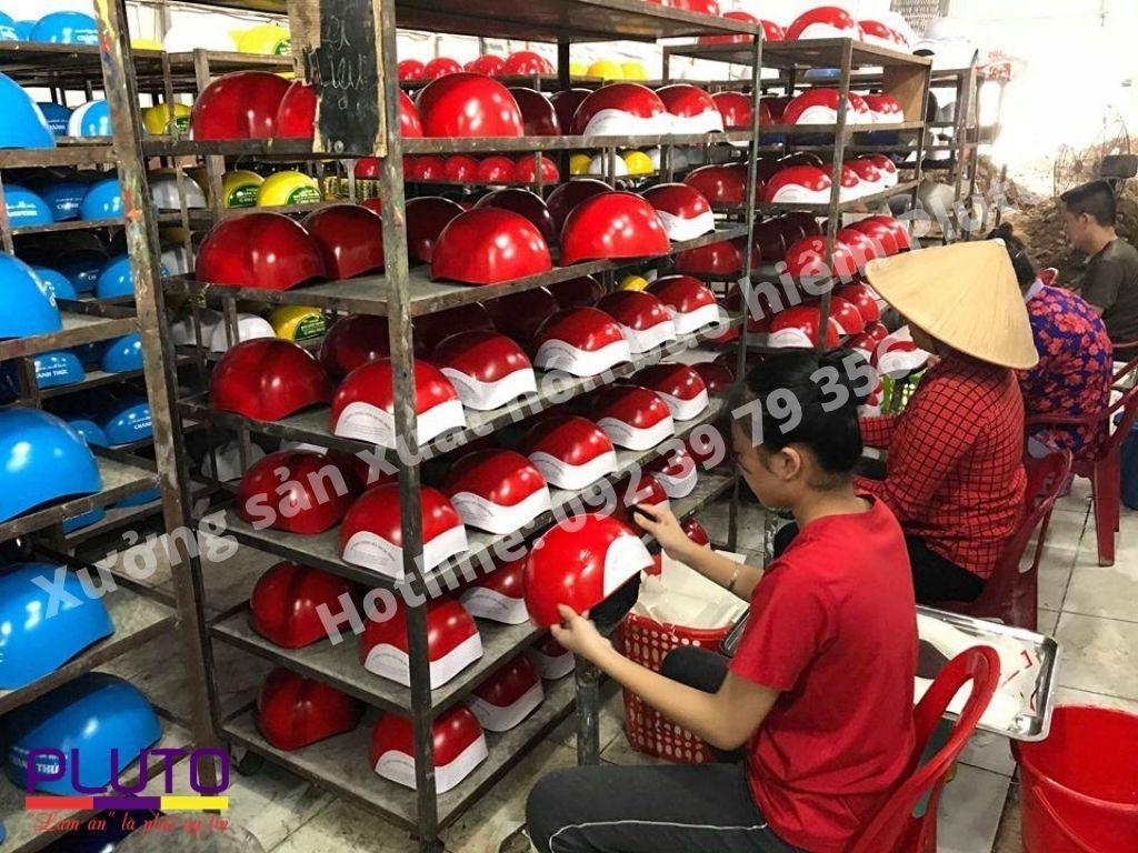 Xưởng sản xuất mũ bảo hiểm quảng cáo theo yêu cầu