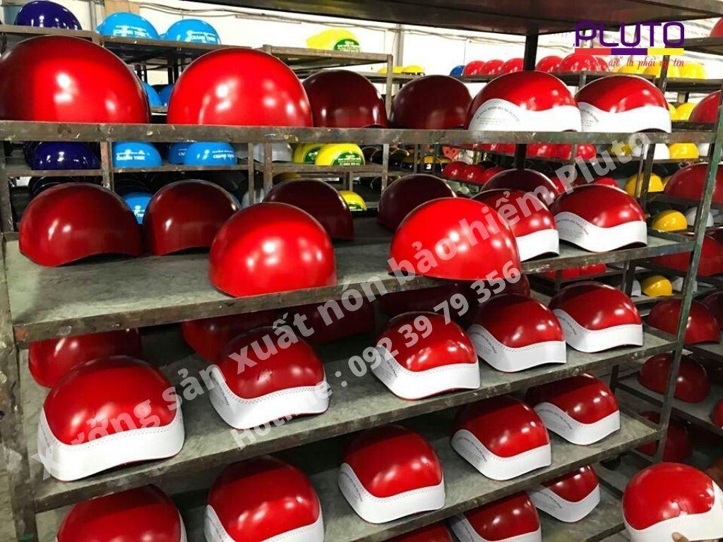xưởng sản xuất nón bảo hiểm Pluto 46