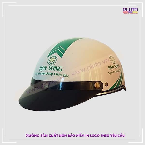 Làm nón bảo hiểm in logo theo yêu cầu